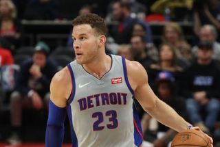 Pistons lose in Griffin's first game vs. LA