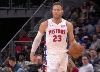 Smith, Griffin lead Pistons in win to snap skid