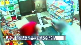 Good Samaritan conned by armed robbers
