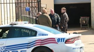 Detroit auto parts store worker shot & killed