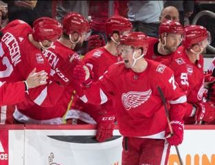 Red Wings beat Flyers in shootout, snap skid