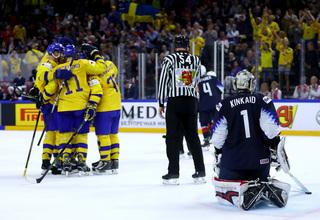 Sweden crushes United States in ice hockey semis