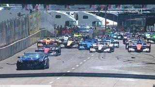 Pace car crashes at Detroit Grand Prix