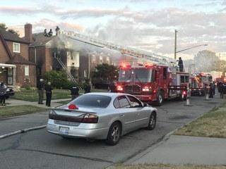 1 killed in house fire in Detroit