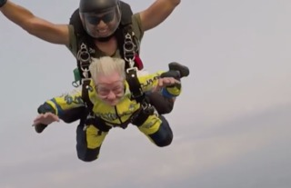 VIDEO: 90 y.o. Michigan woman goes skydiving