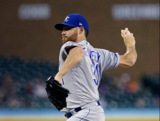 Royals beat Tigers, stop five-game slide