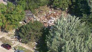 3 injured after house explosion in Harper Woods