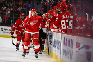 Red Wings beat Devils to win third straight